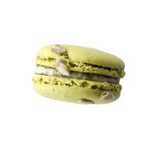 macaron al burro e tapenade di olive verdi